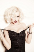Christina Aguilera - Ellen Von Unwerth Outtakes (Cleavage)