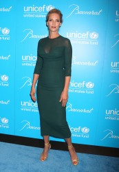 Ума Турман, фото 1105. Uma Thurman - 2011 UNICEF Snowflake ball in NYC, november 29, foto 1105