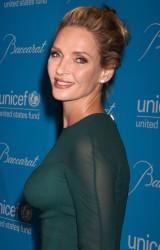 Ума Турман, фото 1111. Uma Thurman - 2011 UNICEF Snowflake ball in NYC, november 29, foto 1111