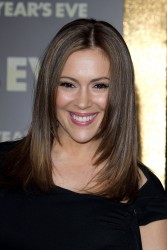 Алисса Милано, фото 2664. Alyssa Milano Los Angeles premiere of 'New Year's Eve' at Grauman's Chinese Theatre on December 5, 2011 in Hollywood, California, foto 2664