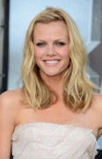 Brooklyn Decker - Battleship premiere in Los Angeles 05/10/12