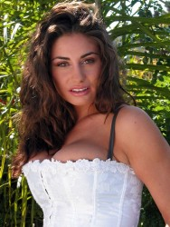 elizabeth ann arnold nude